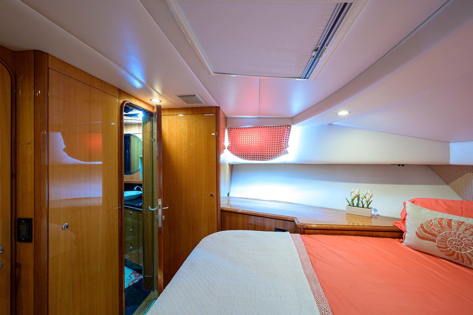 Queenship-Pilothouse Motor Yacht 1996-UNBRIDLED Stuart-Florida-United States-VIP Situated Forward of the Master Stateroom-1383302 | Thumbnail