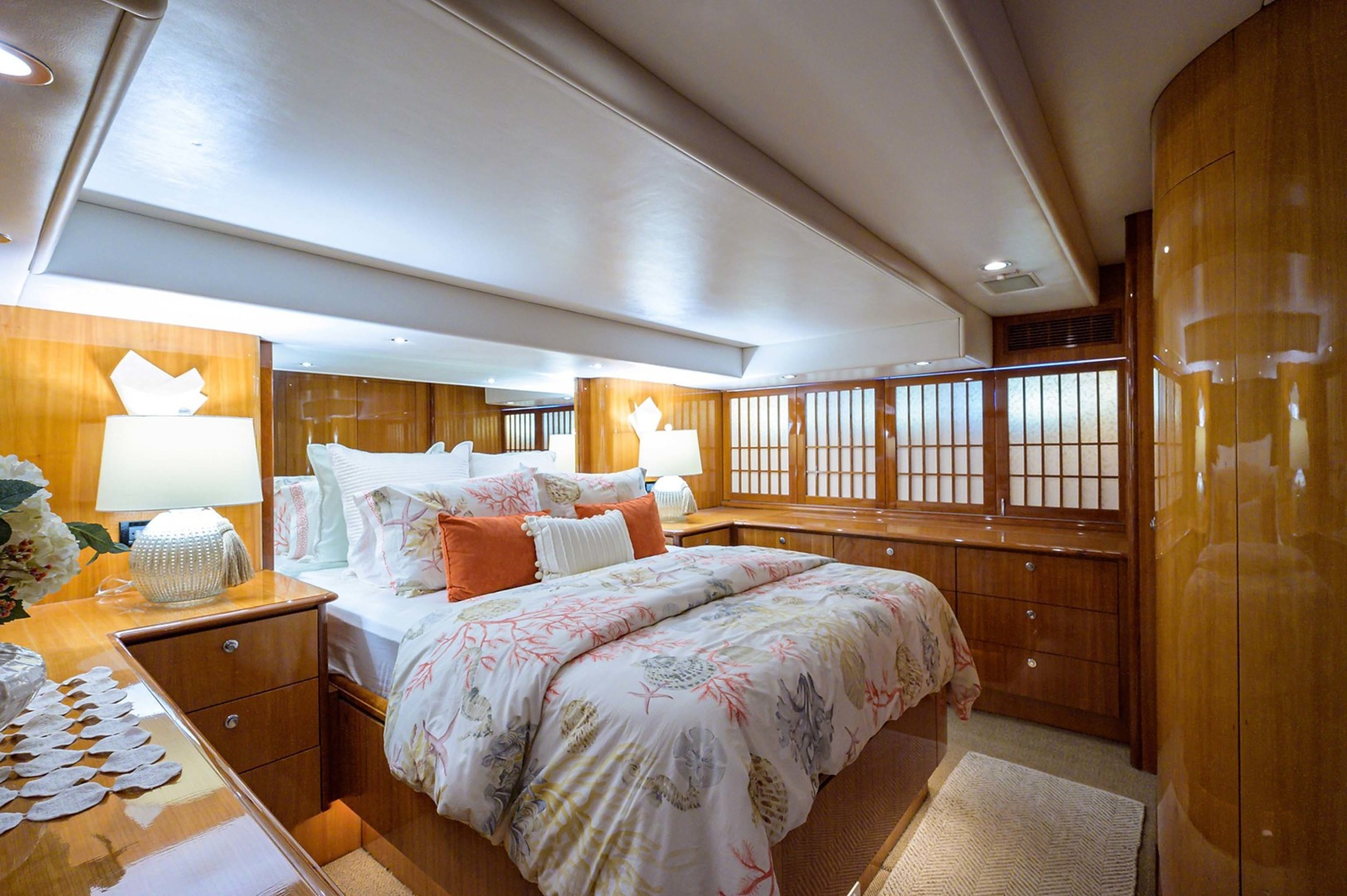 Queenship-Pilothouse Motor Yacht 1996-UNBRIDLED Stuart-Florida-United States-Headboard with Mirror-1383294 | Thumbnail