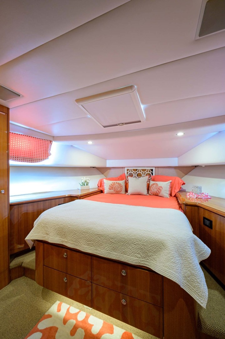 Queenship-Pilothouse Motor Yacht 1996-UNBRIDLED Stuart-Florida-United States-Island Queen Berth with Underneath Storage Drawers-1383303 | Thumbnail