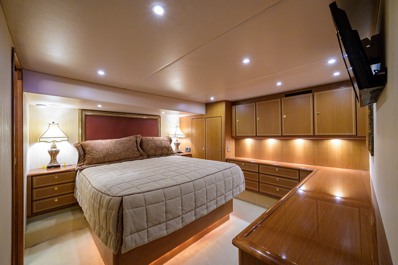 Ocean Yachts-Odyssey 2005-MISS JAN Palm Beach Gardens-Florida-United States-Master Stateroom-1386898 | Thumbnail
