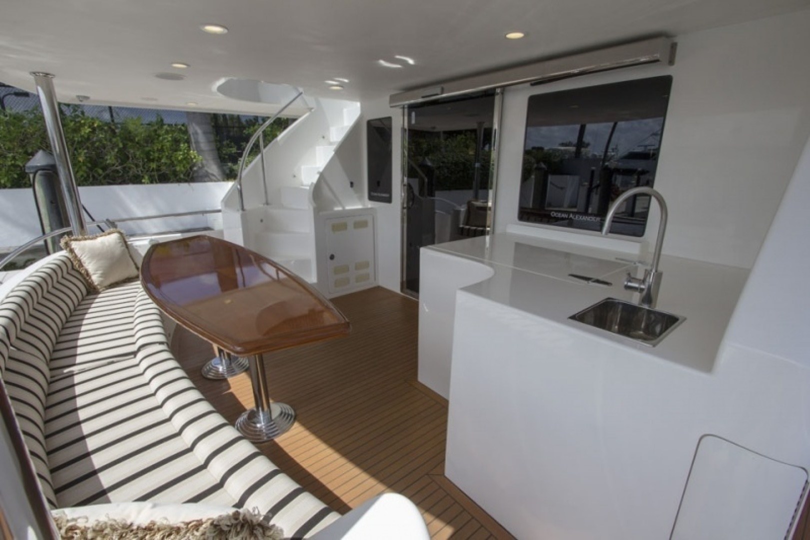 Ocean Alexander 2010-Sea Leaf Light House Point-Florida-United States-Aft Deck Seating-1387900 | Thumbnail