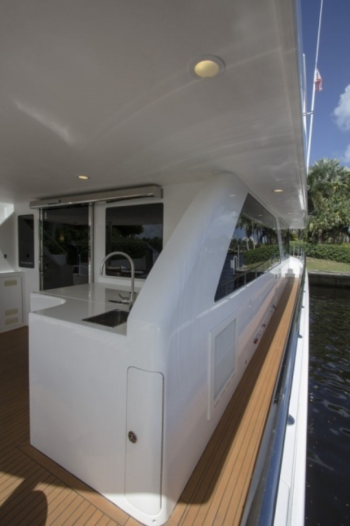 Ocean Alexander 2010-Sea Leaf Light House Point-Florida-United States-Aft Deck-1387902 | Thumbnail