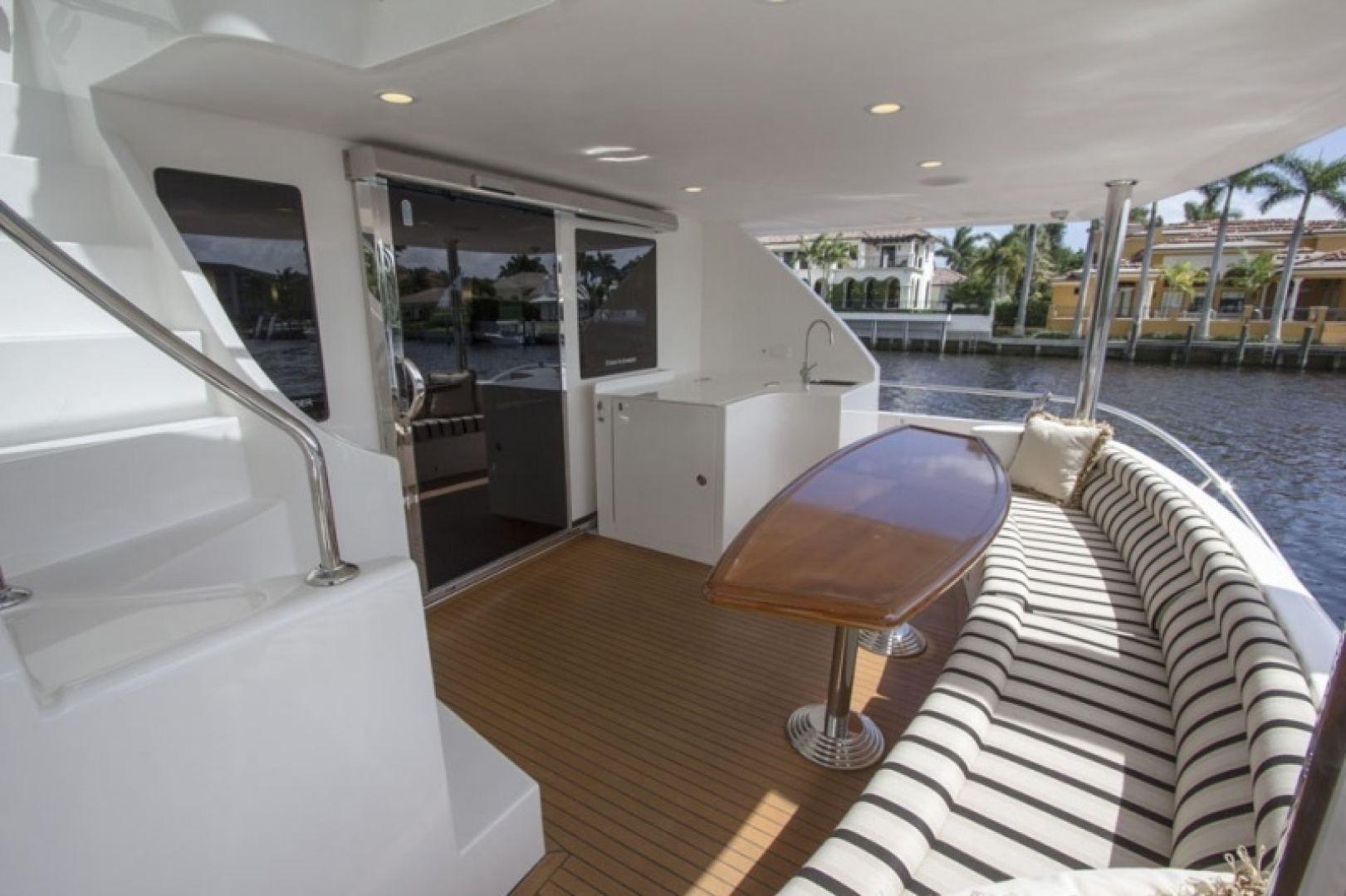 Ocean Alexander 2010-Sea Leaf Light House Point-Florida-United States-Aft deck seating-1387906 | Thumbnail