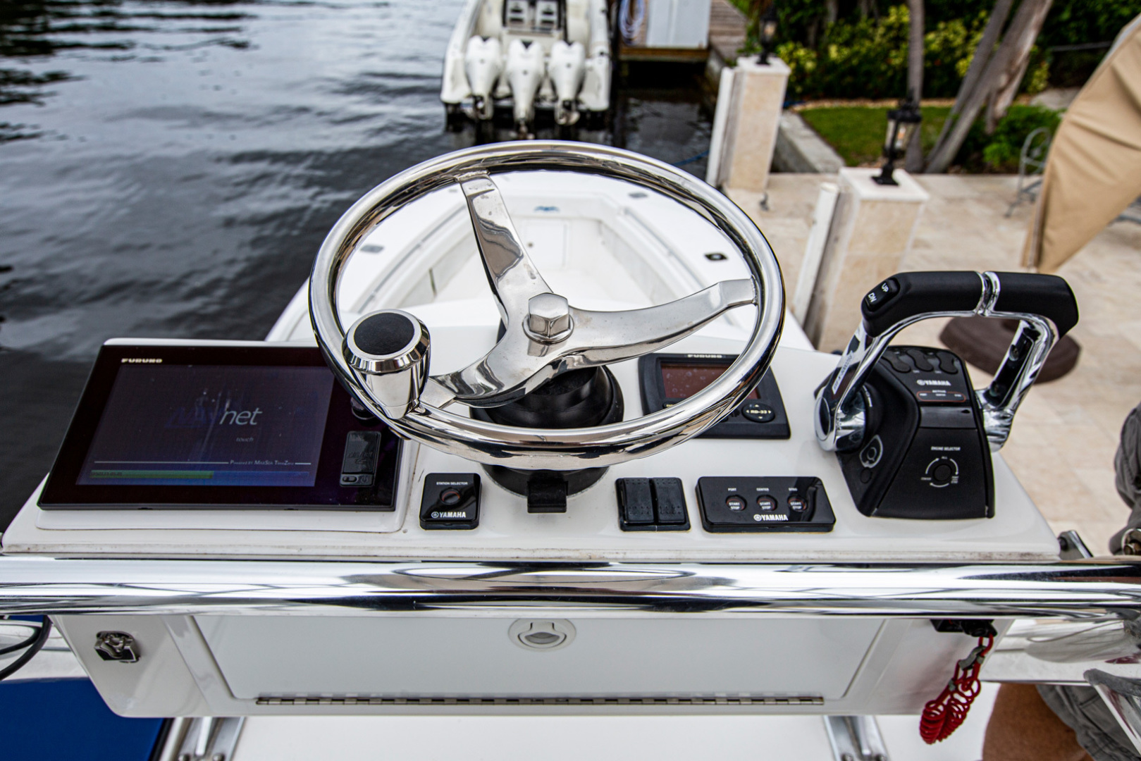 Invincible-42 CC w/SeaKeeper 2013-Tender Delray Beach-Florida-United States-1450272 | Thumbnail