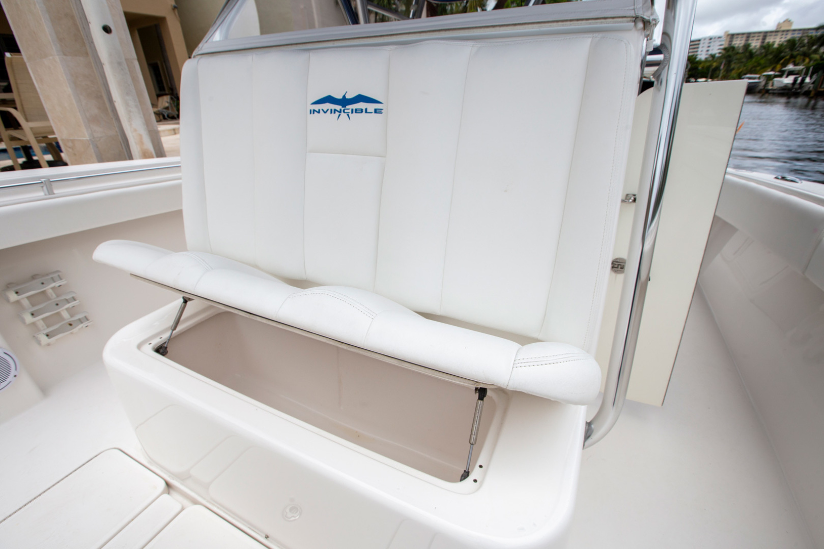 Invincible-42 CC w/SeaKeeper 2013-Tender Delray Beach-Florida-United States-1450256 | Thumbnail