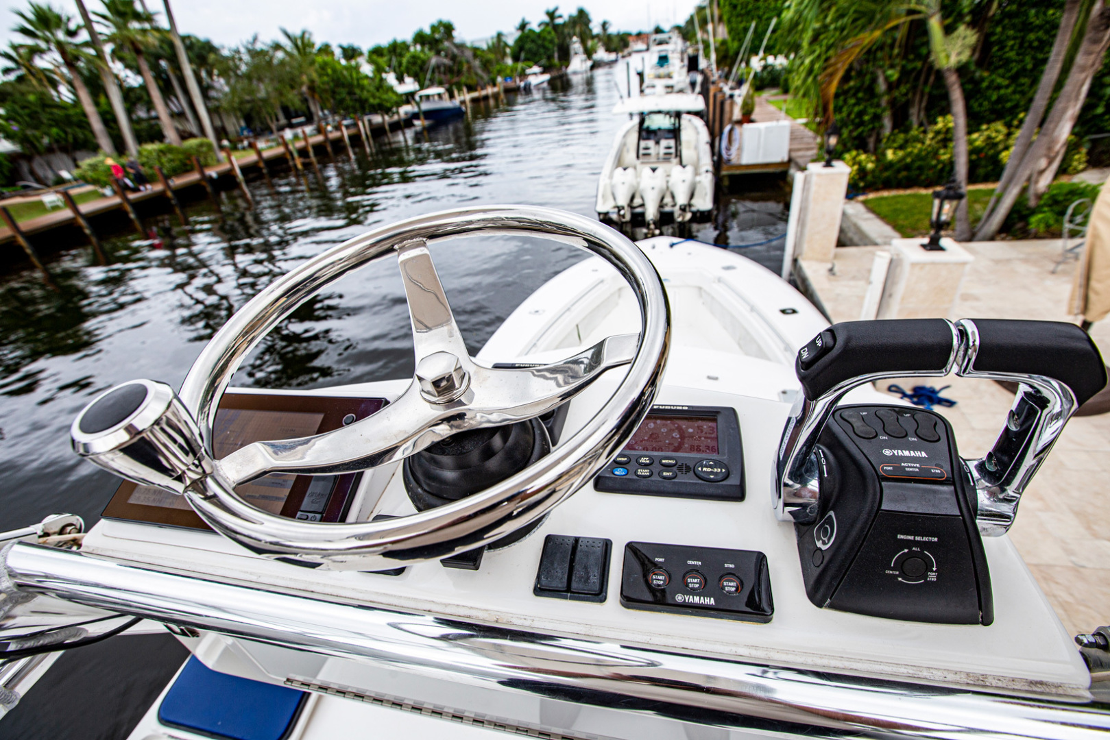 Invincible-42 CC w/SeaKeeper 2013-Tender Delray Beach-Florida-United States-1450280 | Thumbnail