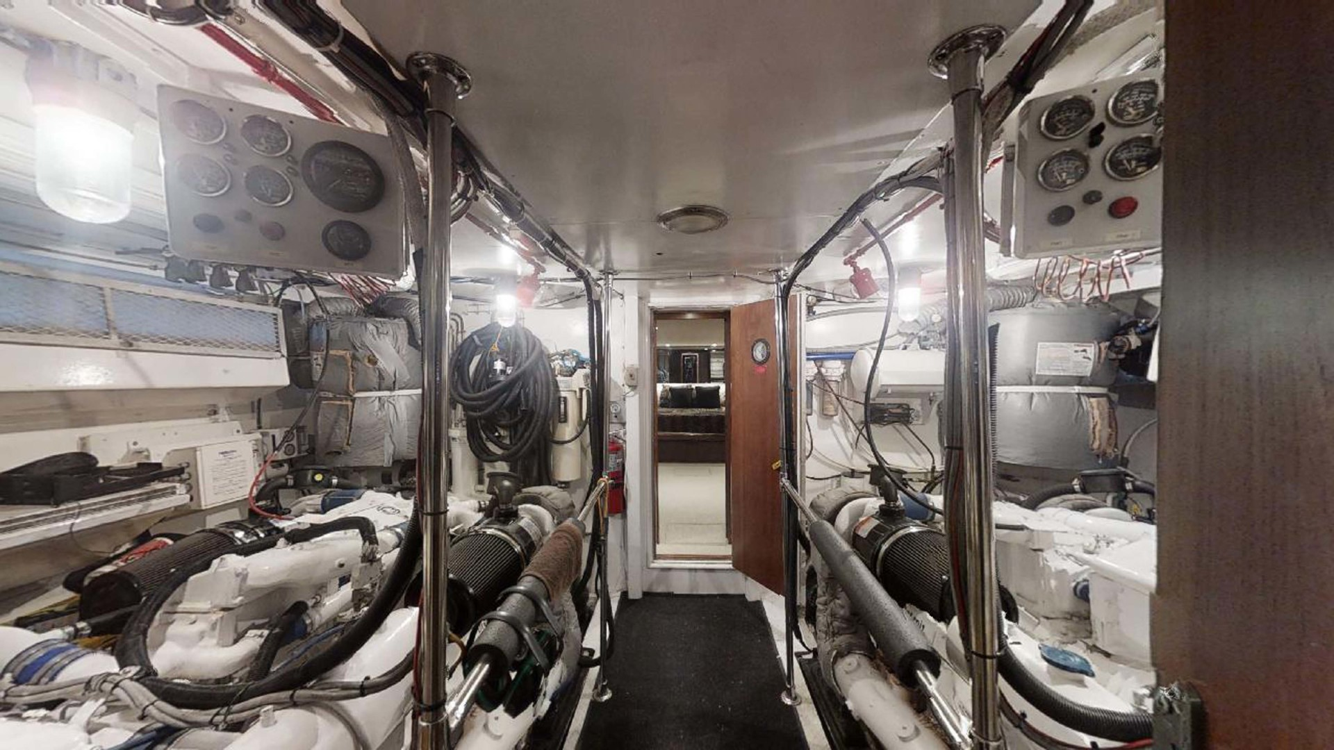 Hatteras-Motoryacht 1987-Christie Lee Stuart-Florida-United States-Engine Room-1392655   Thumbnail