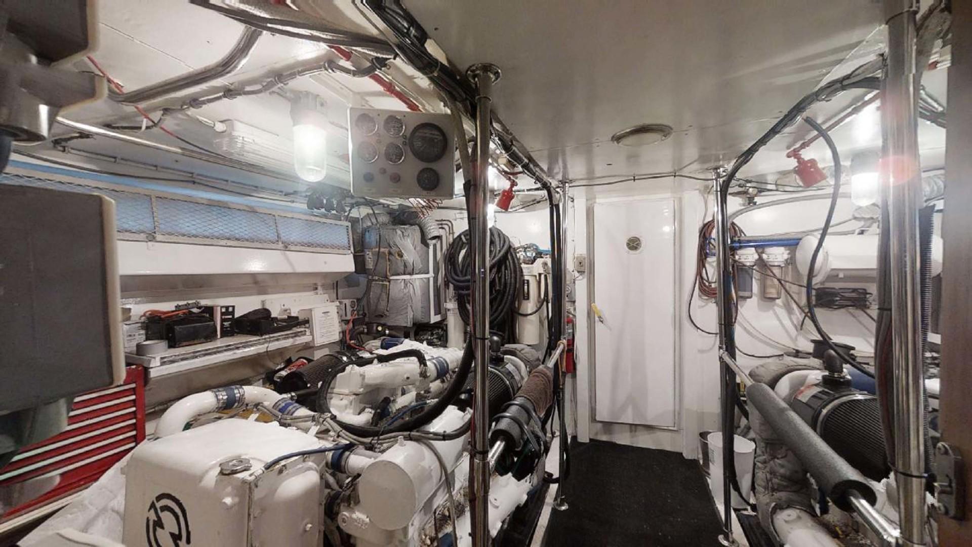 Hatteras-Motoryacht 1987-Christie Lee Stuart-Florida-United States-Engine Room-1392657   Thumbnail