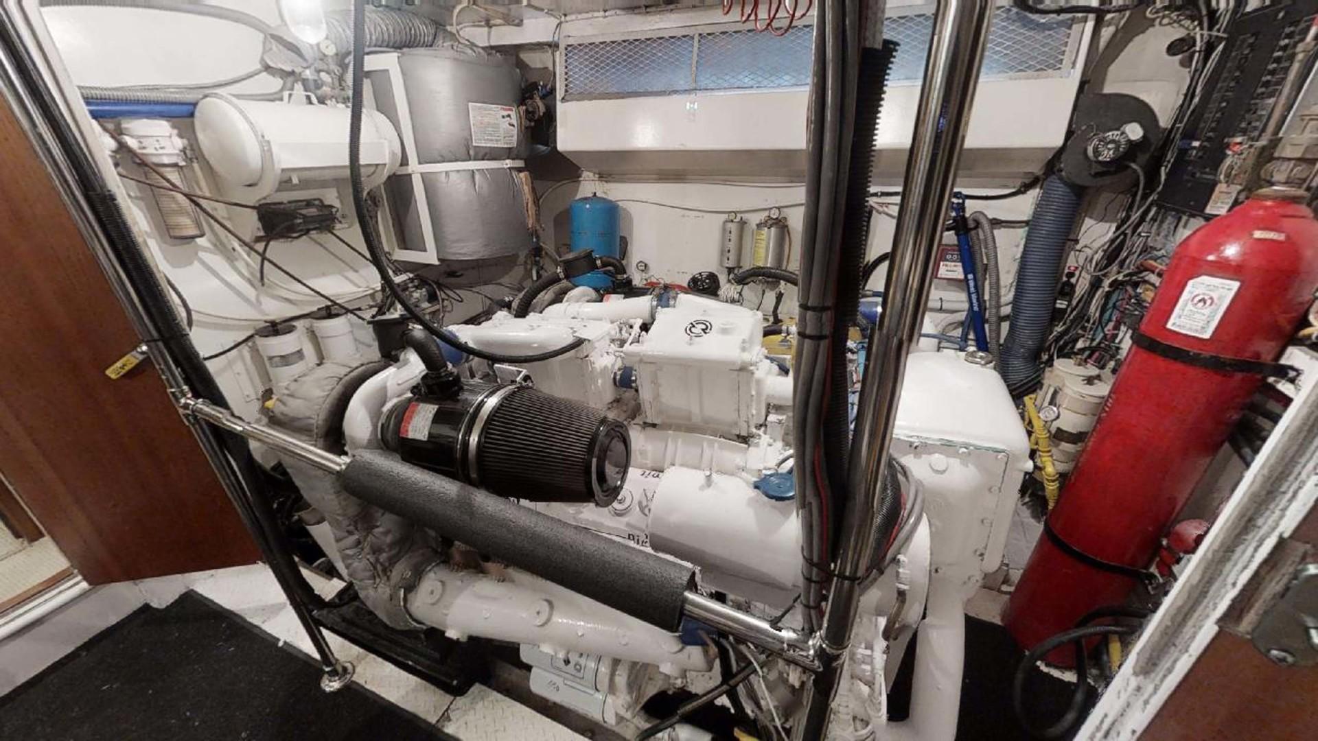 Hatteras-Motoryacht 1987-Christie Lee Stuart-Florida-United States-Engine Room-1392654   Thumbnail