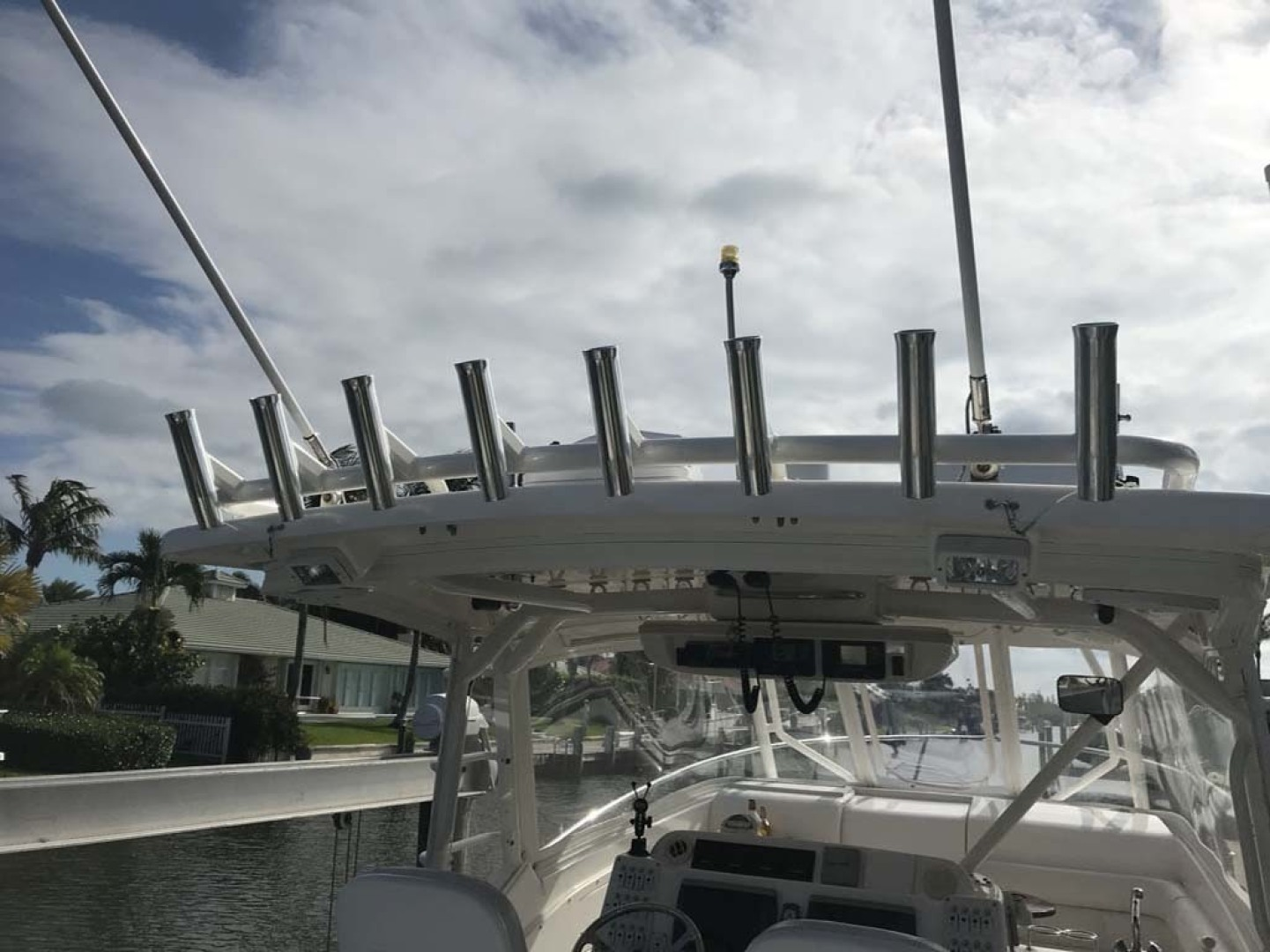 Everglades-350 LX 2010-Off The Charts Hobe Sound-Florida-United States-Top Rod Holders-1393623 | Thumbnail