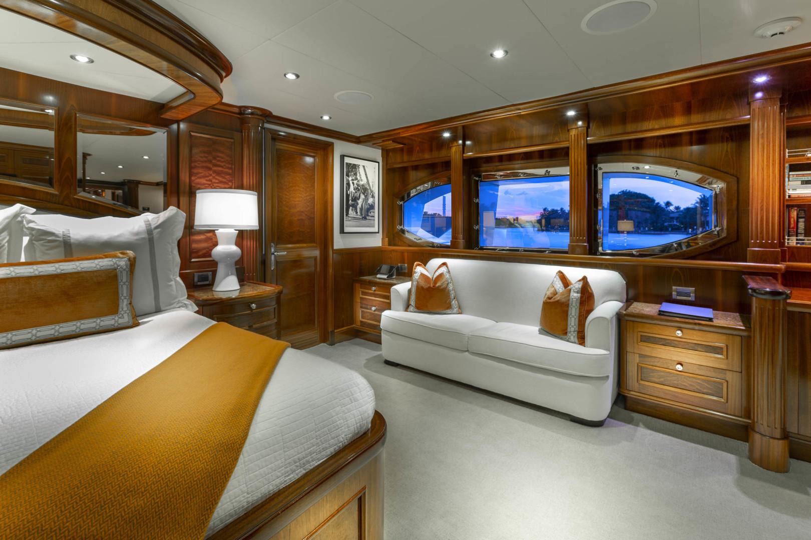 Richmond Yachts-Tri-Deck Motor Yacht 2008-FAR FROM IT St Thomas -Virgin Islands-Virgin Islands (US)-Mast Stateroom-1394827 | Thumbnail
