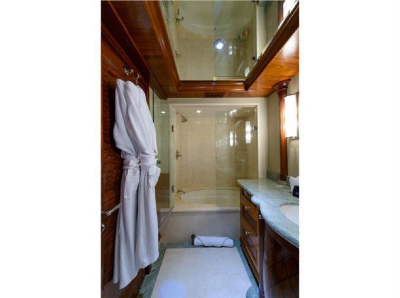 Richmond Yachts-Tri-Deck Motor Yacht 2008-FAR FROM IT St Thomas -Virgin Islands-Virgin Islands (US)-Guest Bathroom-1394849 | Thumbnail