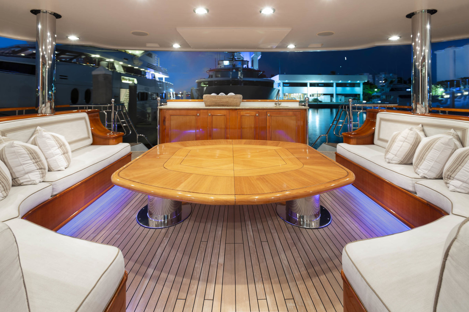 Richmond Yachts-Tri-Deck Motor Yacht 2008-FAR FROM IT St Thomas -Virgin Islands-Virgin Islands (US)-Main Deck Aft Seating -1394810 | Thumbnail
