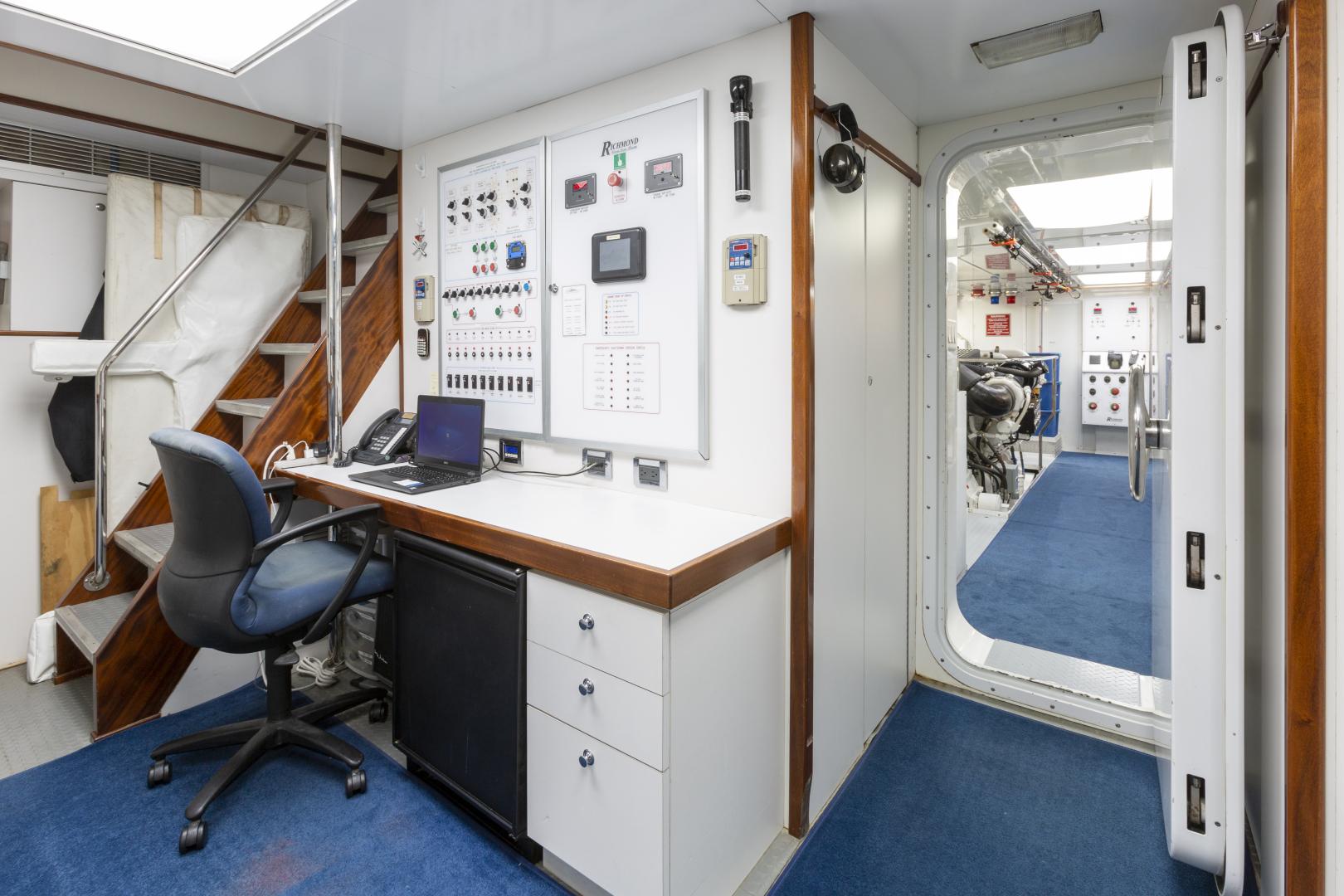 Richmond Yachts-Tri-Deck Motor Yacht 2008-FAR FROM IT St Thomas -Virgin Islands-Virgin Islands (US)-Control Room-1394818 | Thumbnail