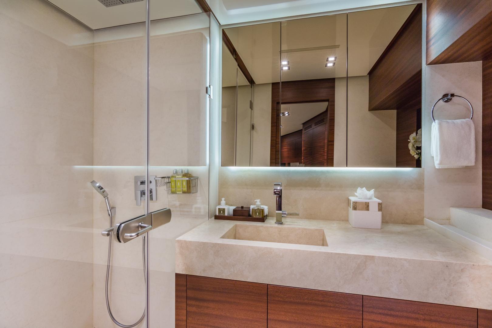 Vicem-Raised Pilot House 2013-MONI FORT LAUDERDALE-Florida-United States-GUEST BATHROOM-1394880 | Thumbnail