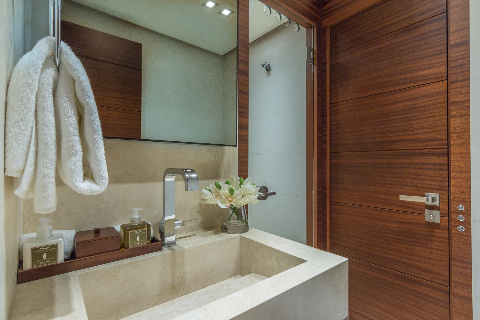 Vicem-Raised Pilot House 2013-MONI FORT LAUDERDALE-Florida-United States-GUEST BATHROOM-1394875 | Thumbnail