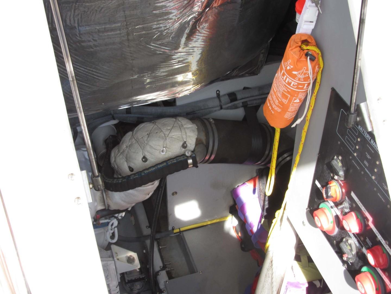 Meridian-391 Sedan 2006 -Treasure Island-Florida-United States-Cockpit Engine Access-1396646   Thumbnail