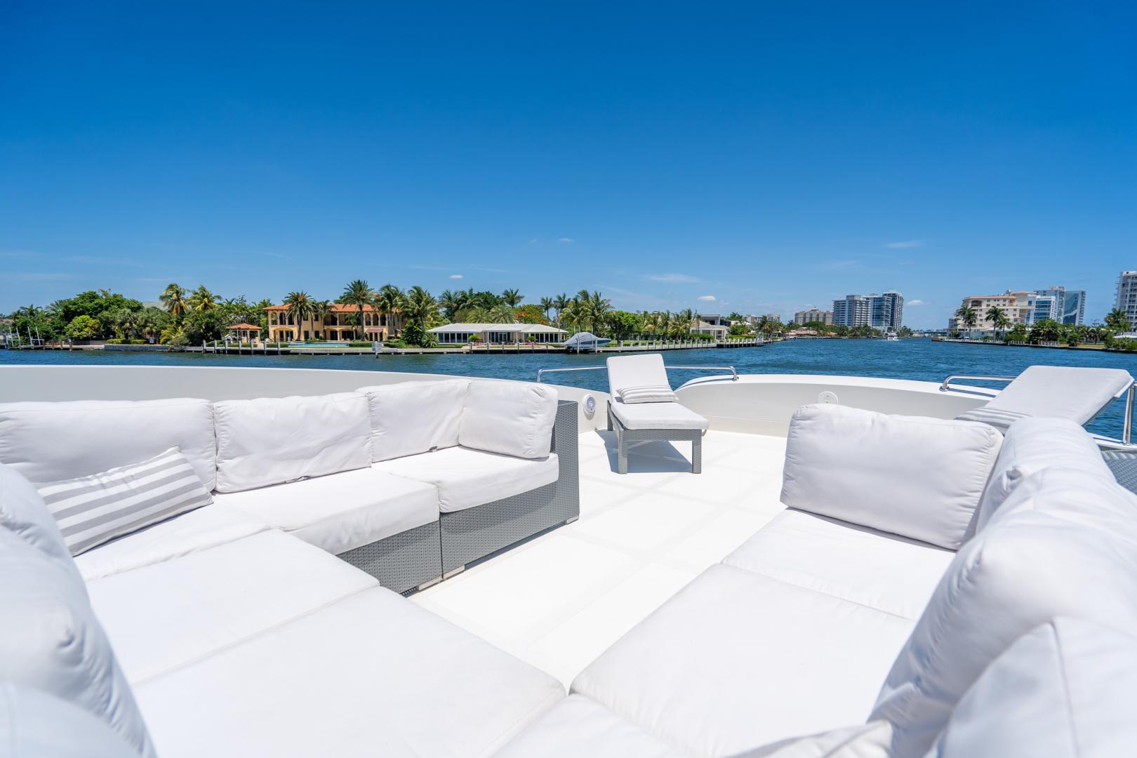 Overblue-58 Power Catamaran 2017-Techuila Ft. Lauderdale-Florida-United States-2017 Overblue 58 Powercat Sun Lounge-1401204   Thumbnail