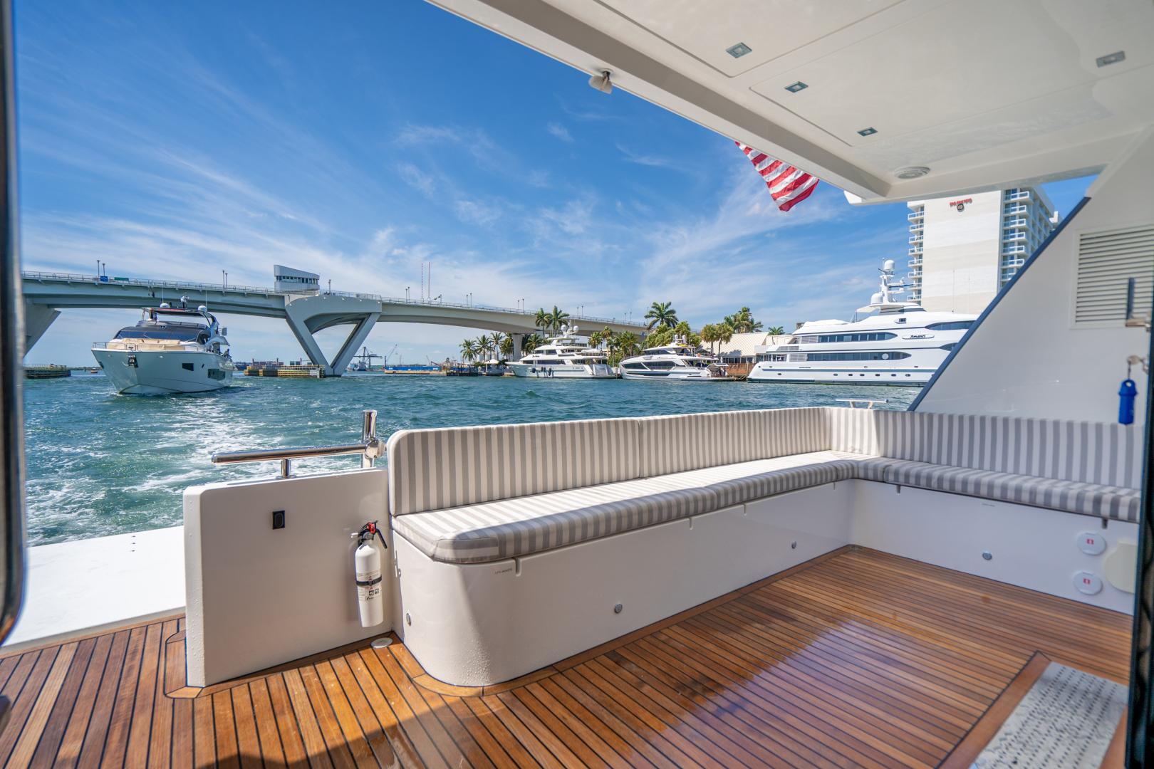 Overblue-58 Power Catamaran 2017-Techuila Ft. Lauderdale-Florida-United States-2017 Overblue 58 Powercat Aft Entertaining Area-1401169   Thumbnail