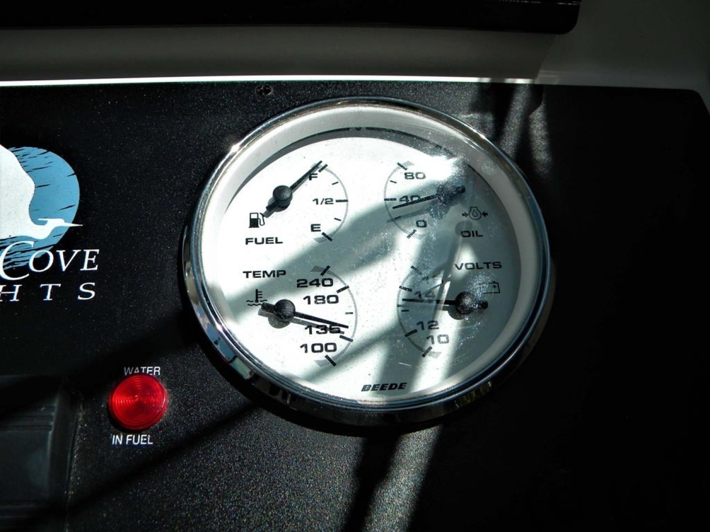 Back Cove-29 2009-Be Well II Vero Beach-Florida-United States-Helm Engine Gauge-1399705 | Thumbnail