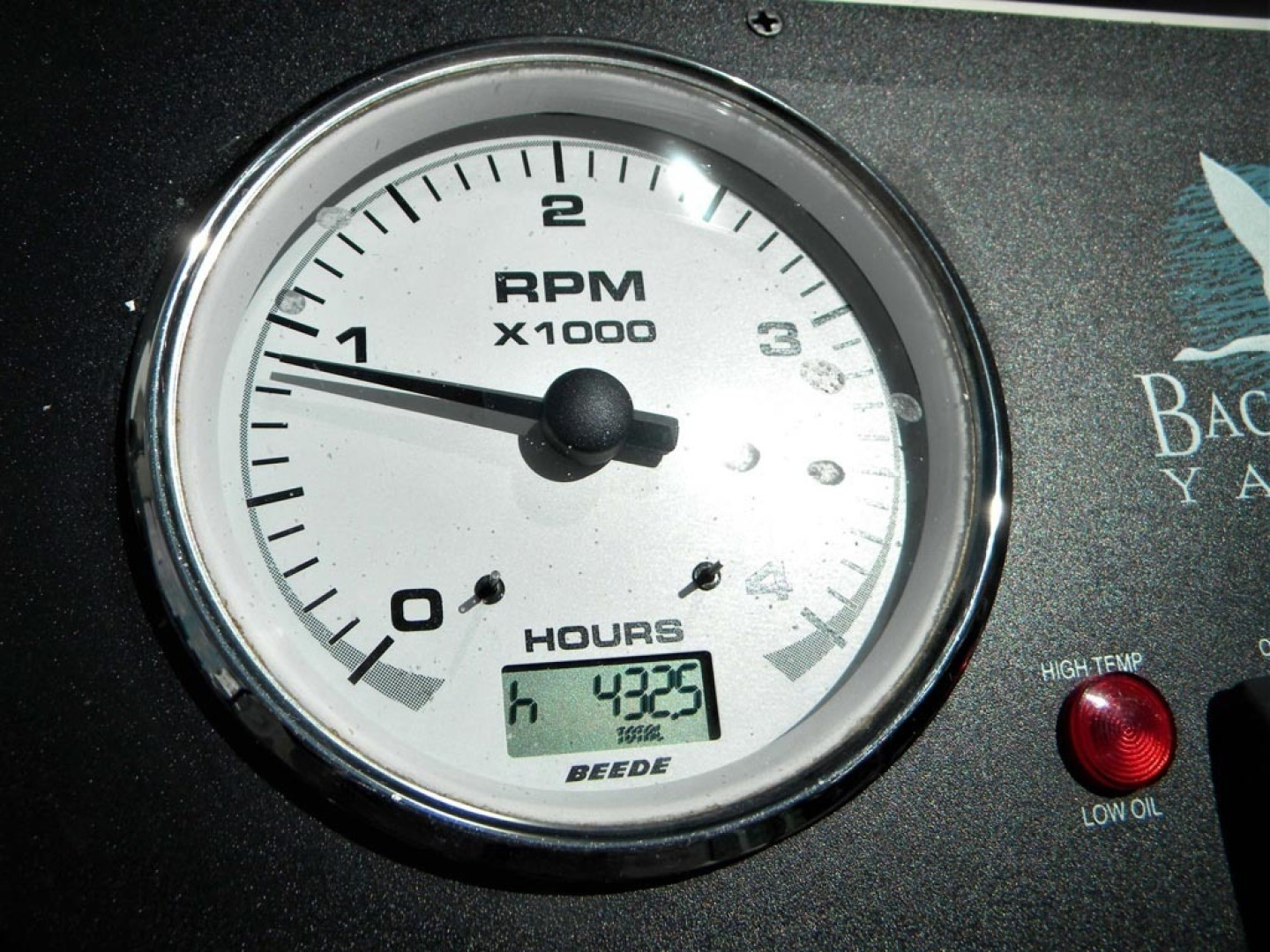Back Cove-29 2009-Be Well II Vero Beach-Florida-United States-Tachometer-1399704 | Thumbnail