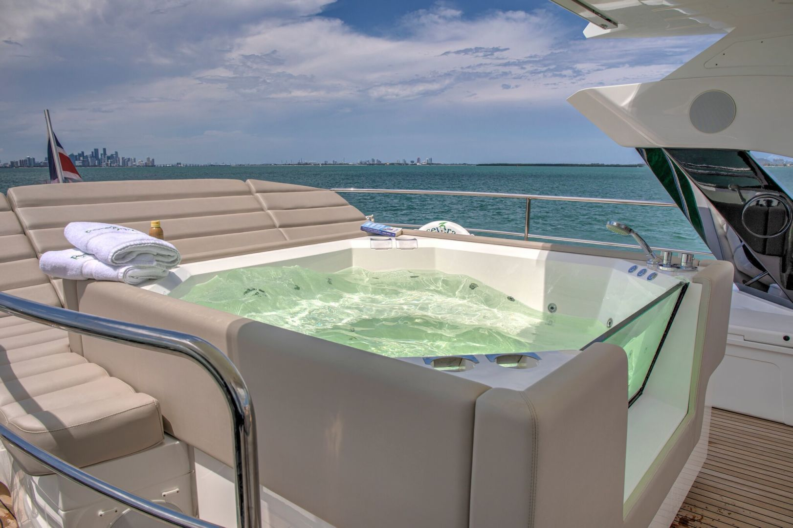 Sunseeker-95 Yacht 2017-Perseverance 3 Ft Lauderdale-Florida-United States-1400117   Thumbnail