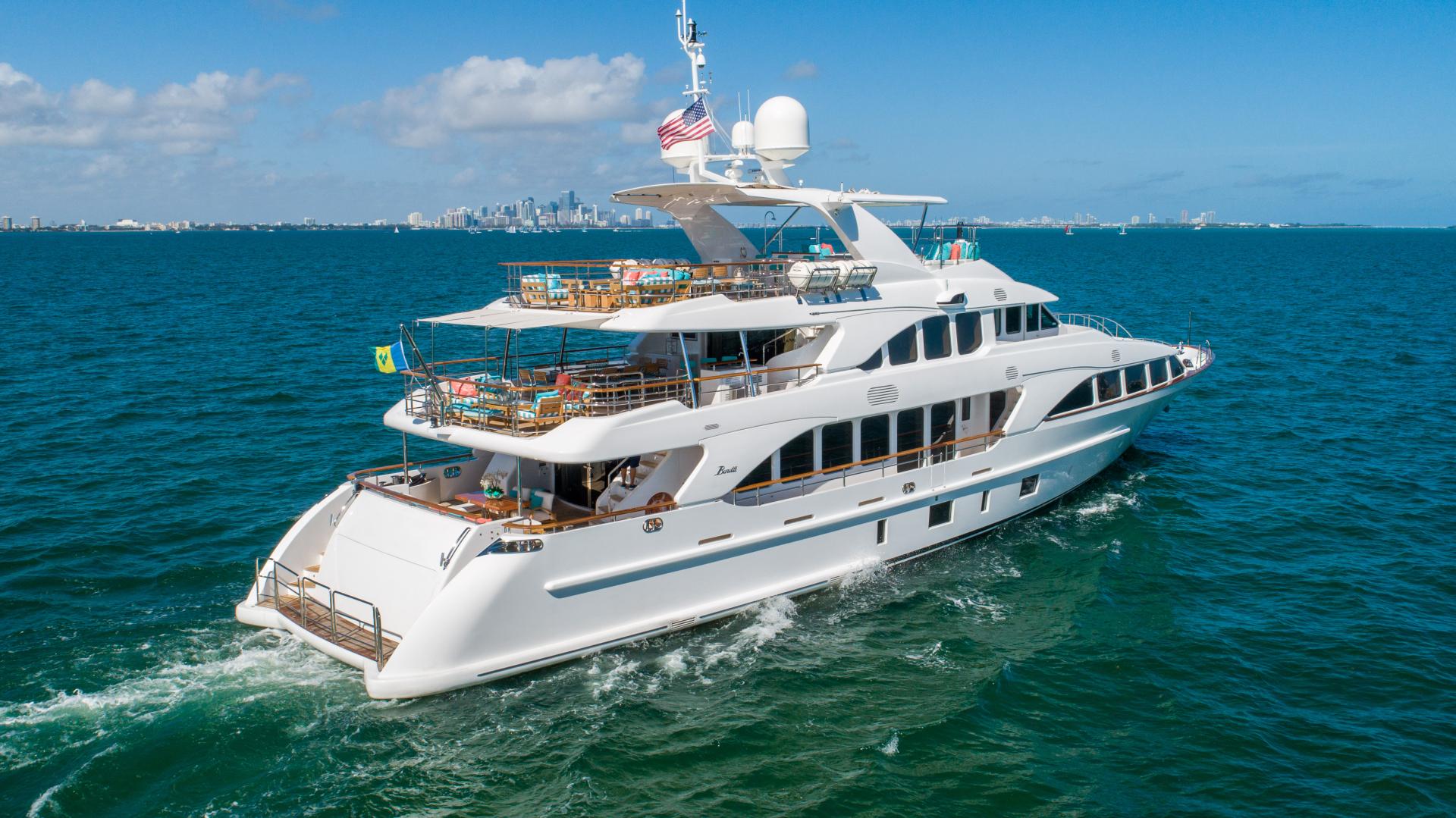 Benetti 2011 -Miami-Florida-United States-1543874 | Thumbnail