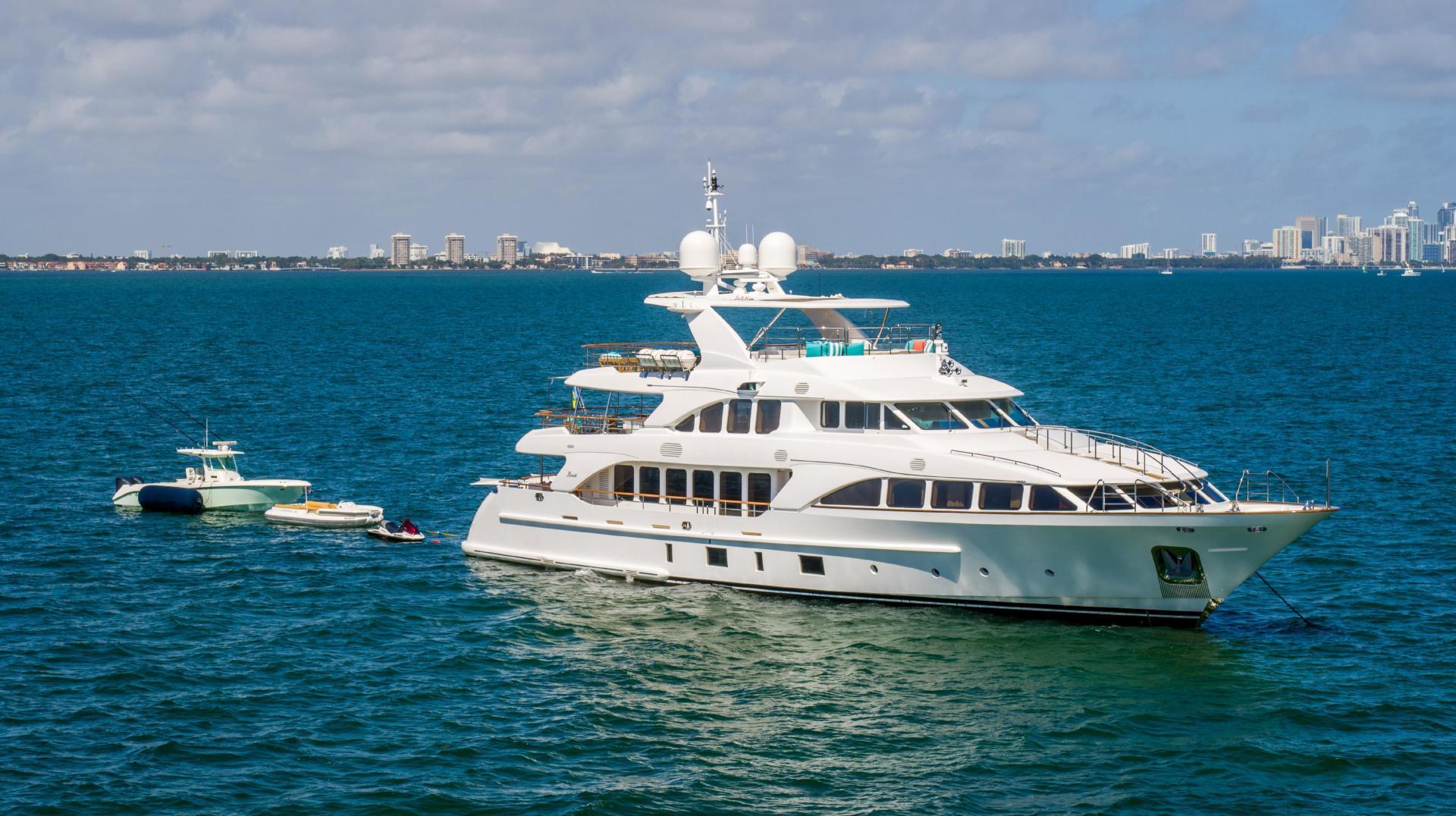 Benetti 2011 -Miami-Florida-United States-1401569 | Thumbnail