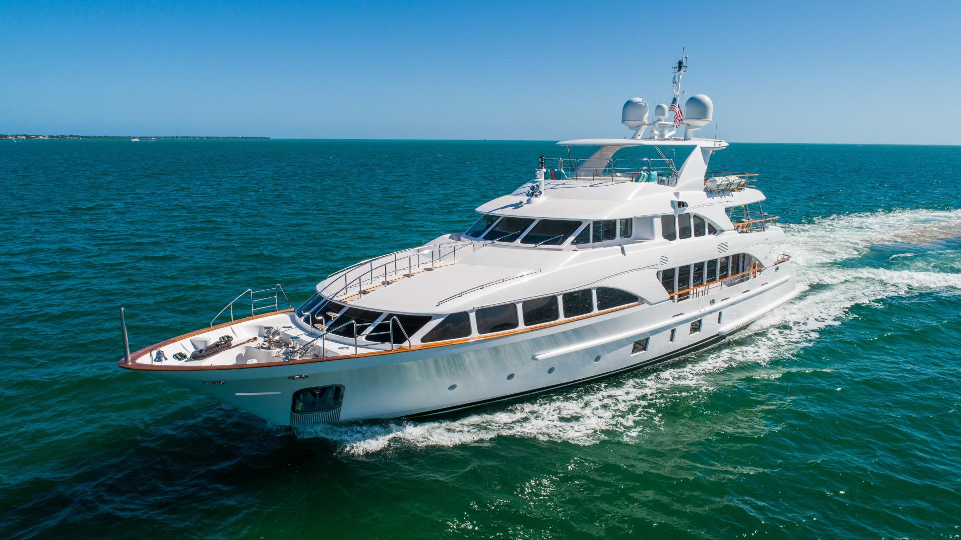 Benetti 2011 -Miami-Florida-United States-1543878 | Thumbnail