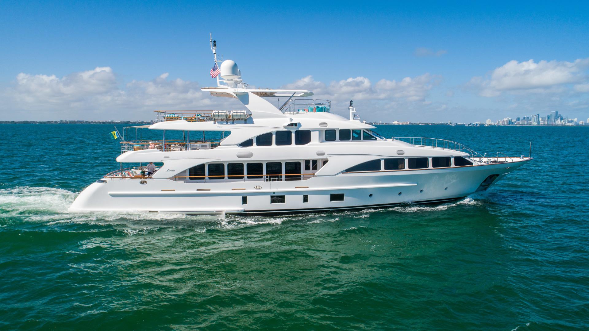 Benetti 2011 -Miami-Florida-United States-1543875 | Thumbnail