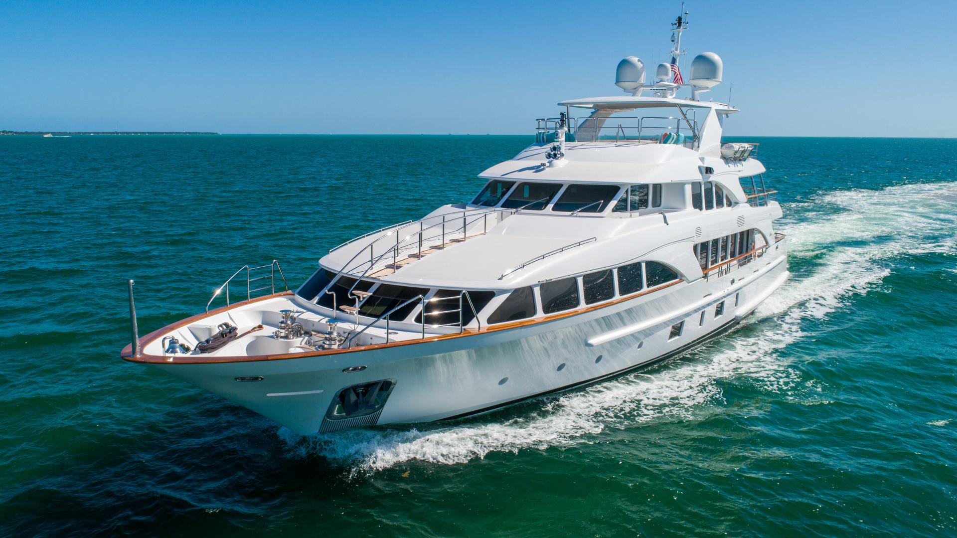 Benetti 2011 -Miami-Florida-United States-1543879 | Thumbnail