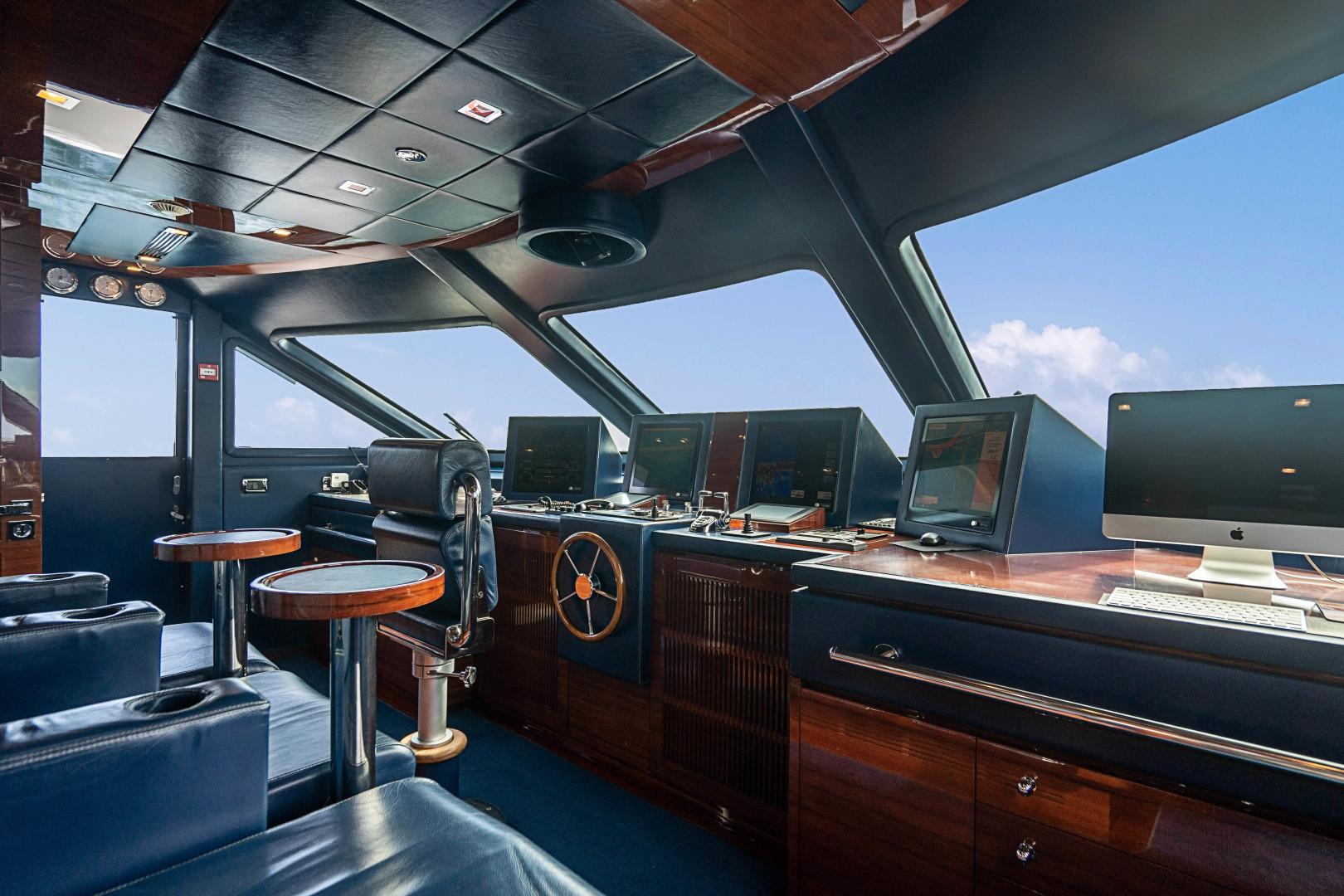 Benetti 2011 -Miami-Florida-United States-1543944 | Thumbnail