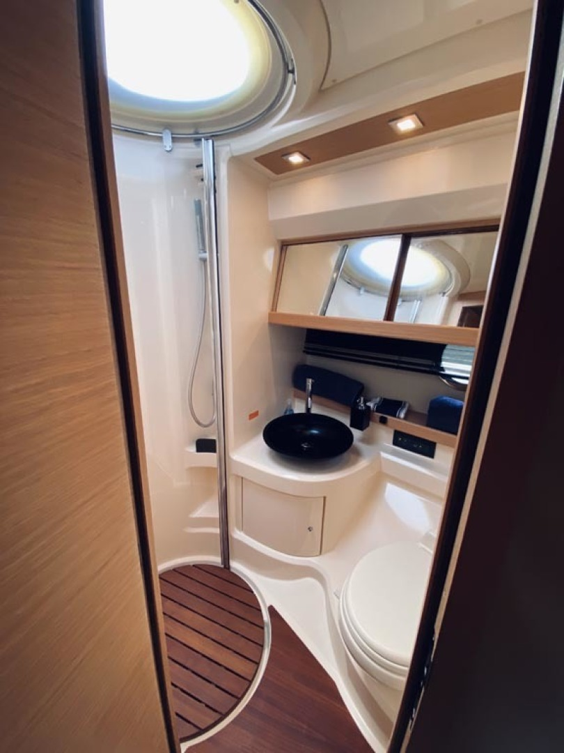Azimut-43 Flybridge 2007-Wired Up Cape May-New Jersey-United States-Head-1457063 | Thumbnail