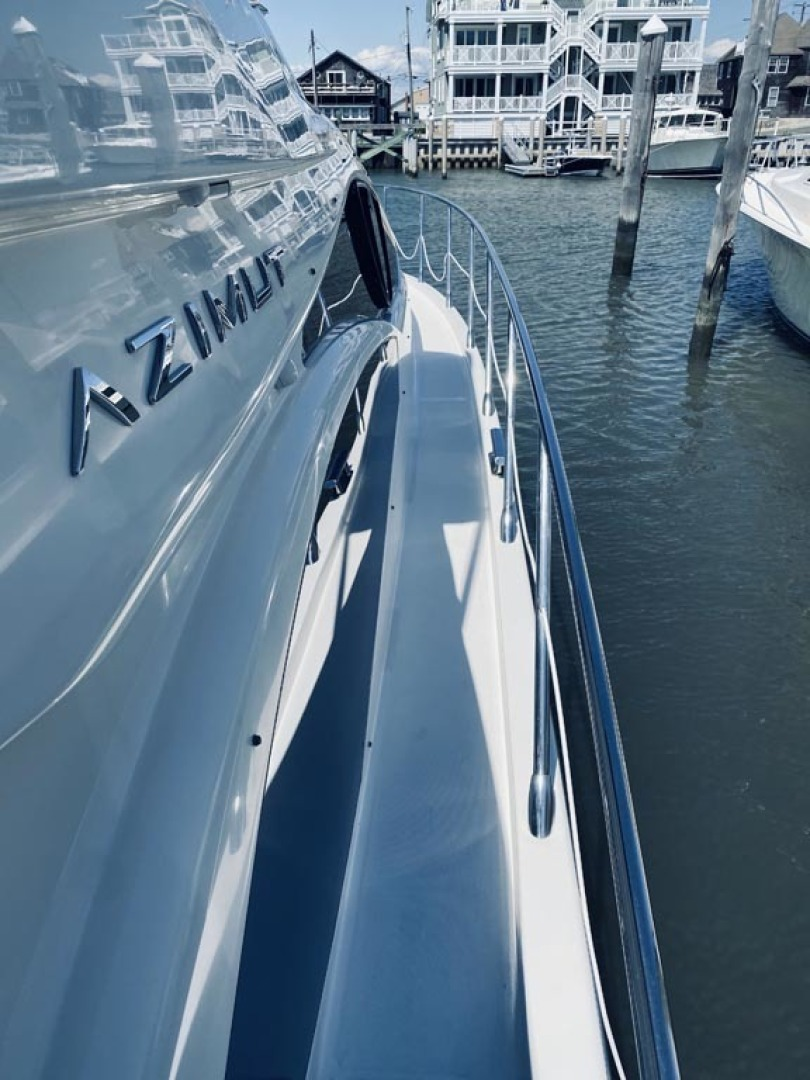Azimut-43 Flybridge 2007-Wired Up Cape May-New Jersey-United States-Stbd Side Deck   Forward-1457070 | Thumbnail