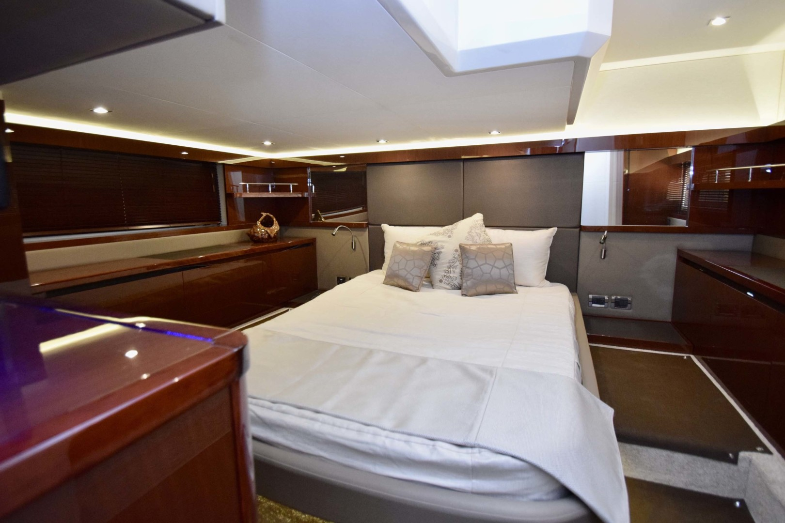 Sea Ray-460 Sundancer 2017-Susanne Marie 4 Fort Myers-Florida-United States-Master Stateroom-1403750 | Thumbnail