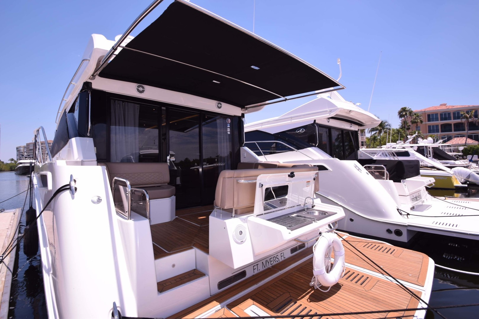 Sea Ray-460 Sundancer 2017-Susanne Marie 4 Fort Myers-Florida-United States-Aft Seating With Sunshade-1403765 | Thumbnail