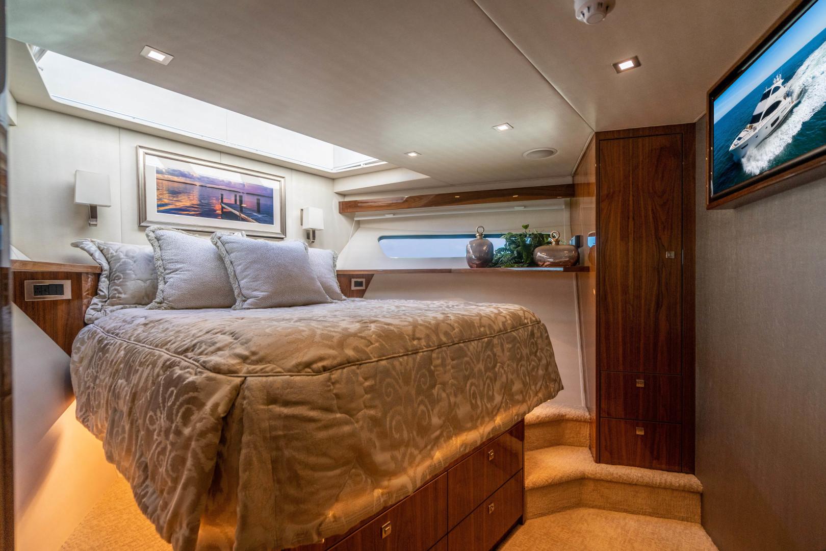Viking-Motor Yacht 2018-LULU North Palm Beach-Florida-United States-VIP Stateroom, Forward-1405826 | Thumbnail