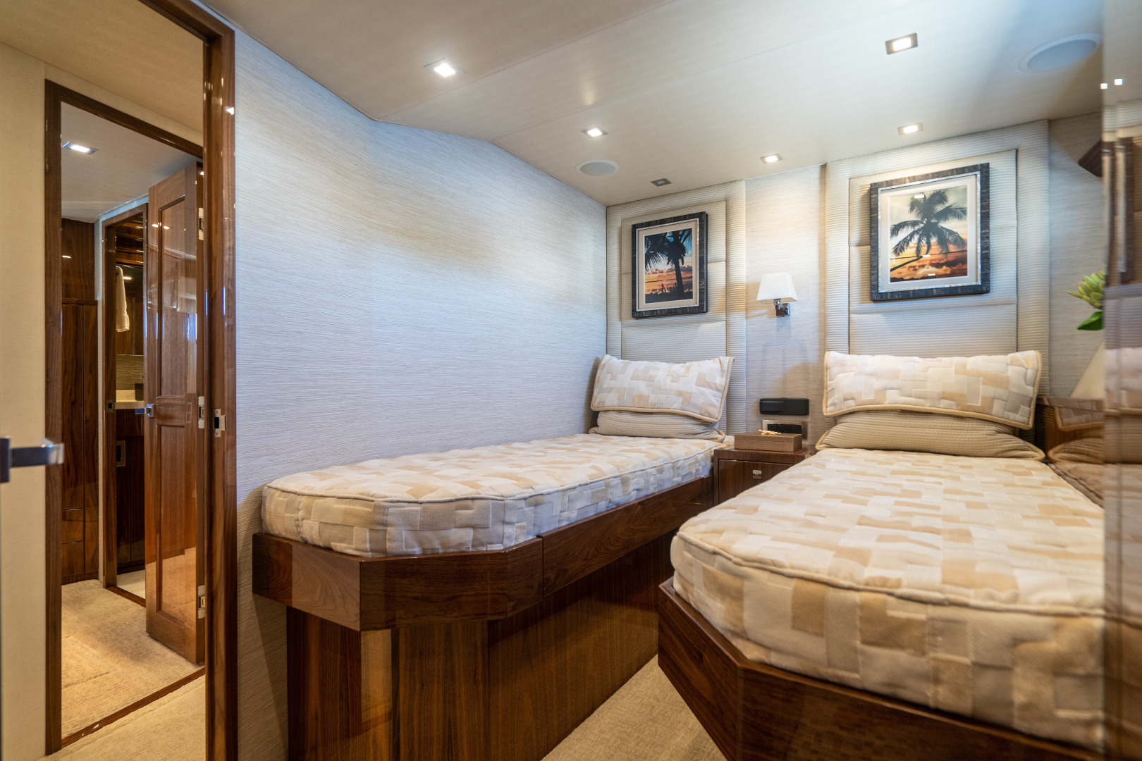 Viking-Motor Yacht 2018-LULU North Palm Beach-Florida-United States-Starboard Guest Stateroom-1405727 | Thumbnail