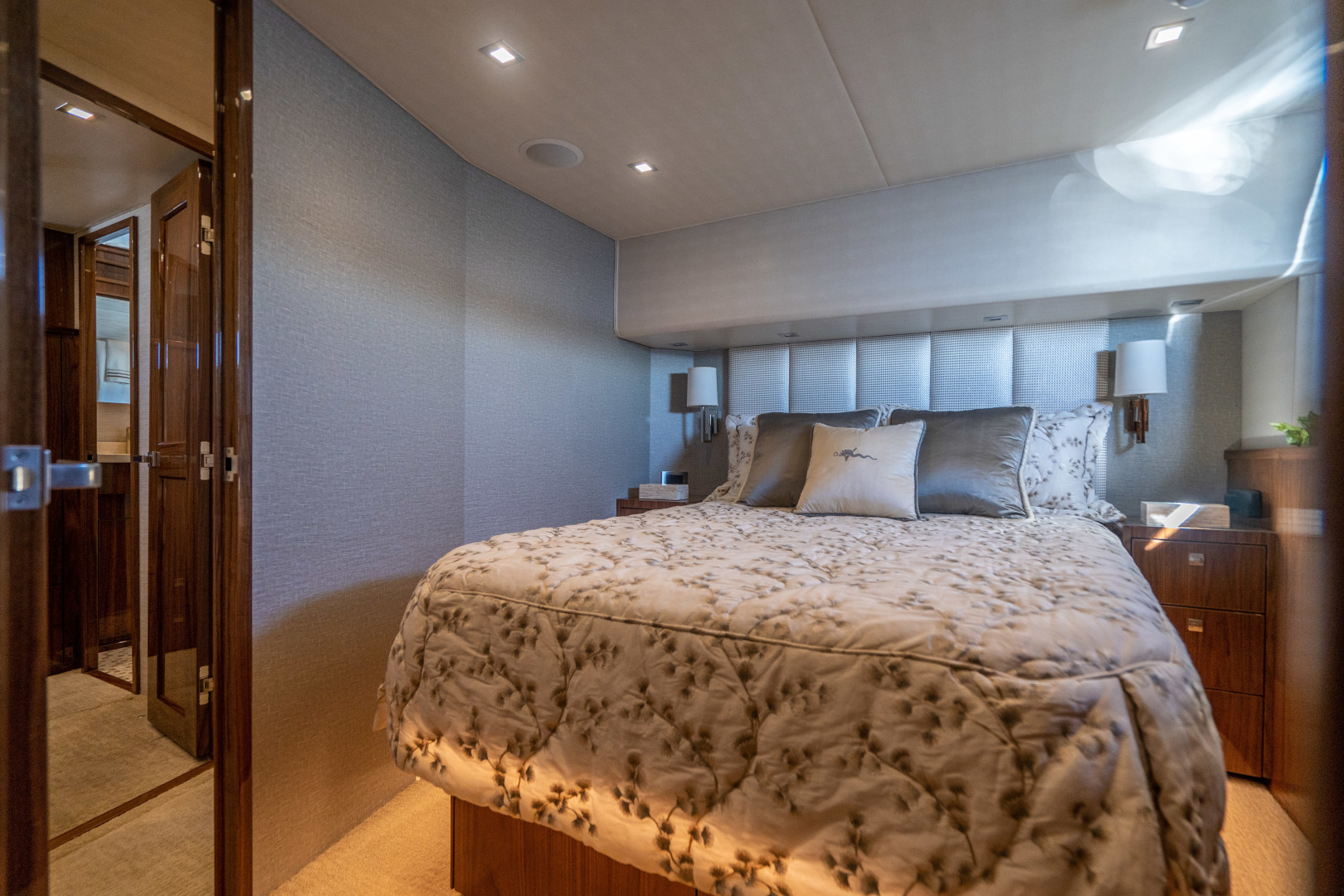 Viking-Motor Yacht 2018-LULU North Palm Beach-Florida-United States-Port Guest Stateroom-1405720 | Thumbnail