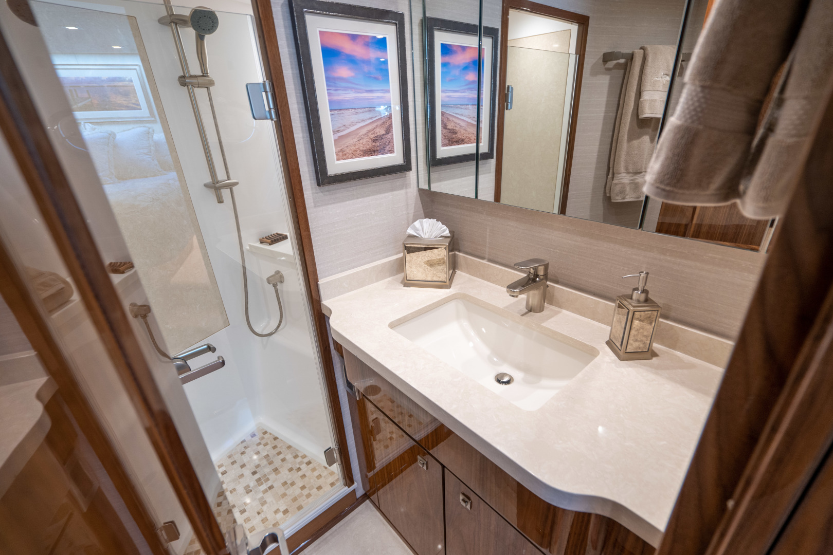 Viking-Motor Yacht 2018-LULU North Palm Beach-Florida-United States-VIP Stateroom, Forward Head-1405828 | Thumbnail