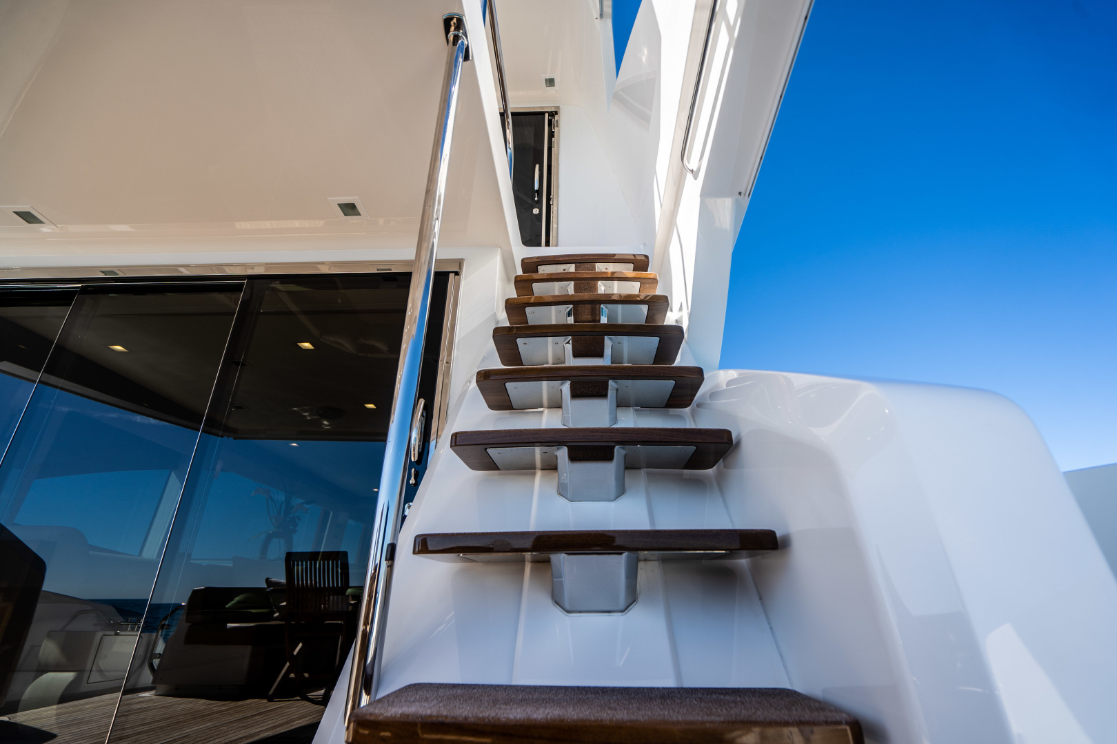 Viking-Motor Yacht 2018-LULU North Palm Beach-Florida-United States-Stairs to the Upper Aft Deck-1405965 | Thumbnail