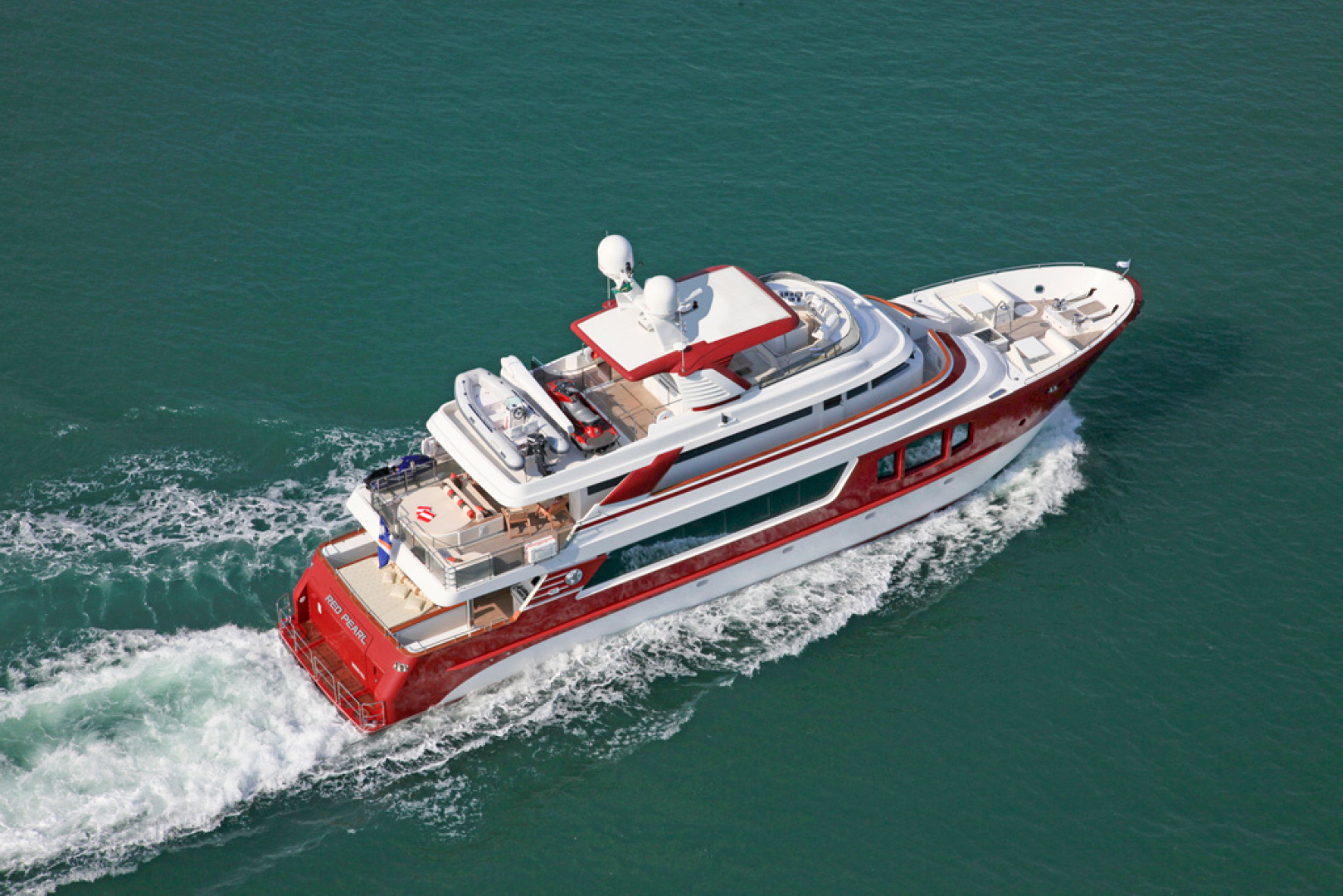 MCP-Europa 100 2010-RED PEARL Ijmuiden-Netherlands-Starboard Running Profile-1411781   Thumbnail