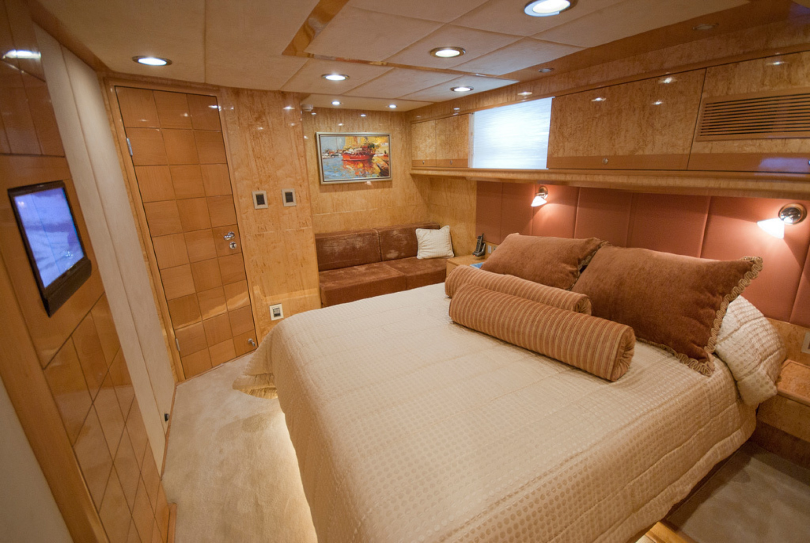 MCP-Europa 100 2010-RED PEARL Ijmuiden-Netherlands-Guest Stateroom-1411769   Thumbnail