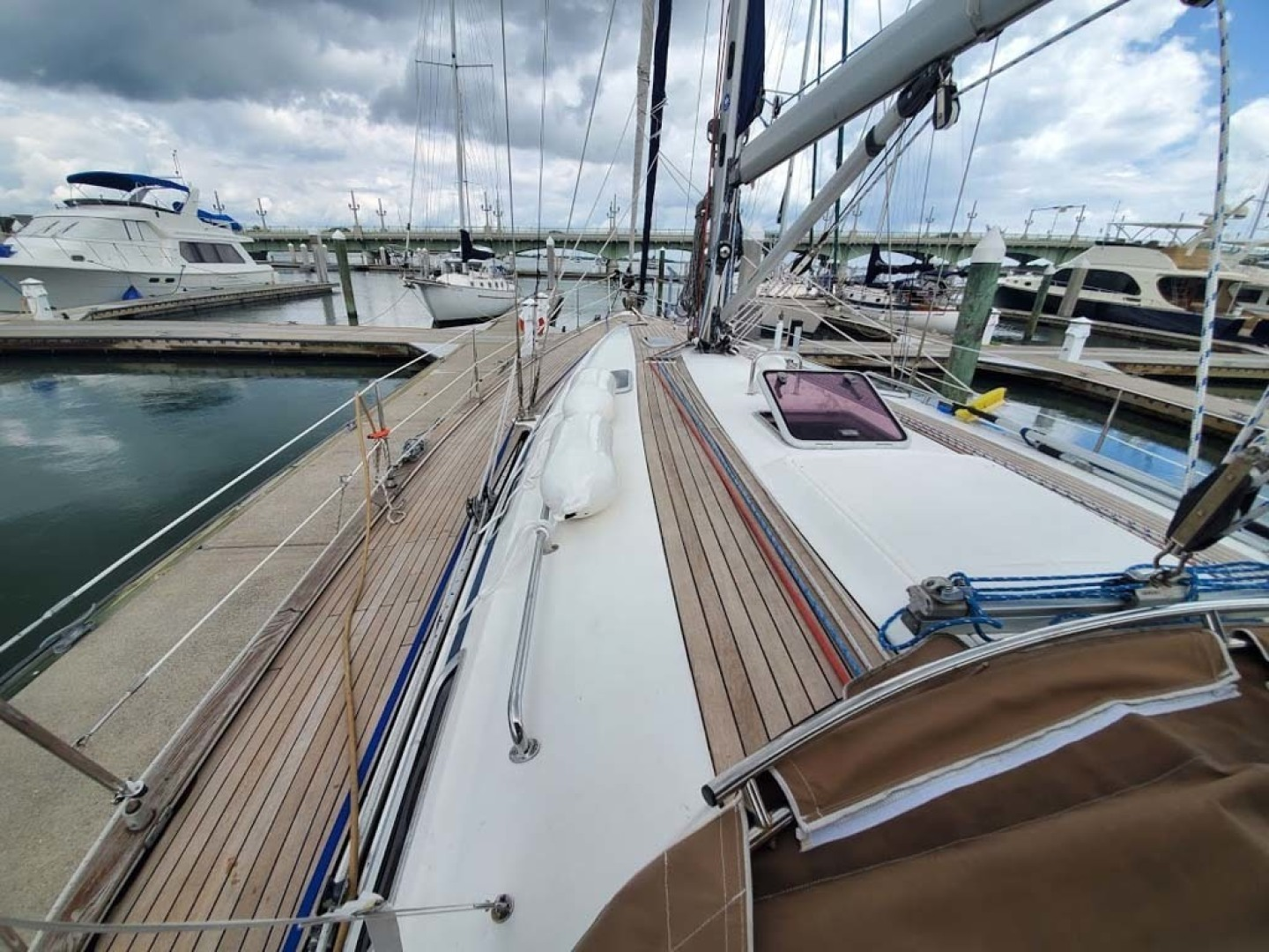 Bavaria-49 2003-BLUE CLOUD LADY Jacksonville-Florida-United States-Looking Forward-1412452 | Thumbnail