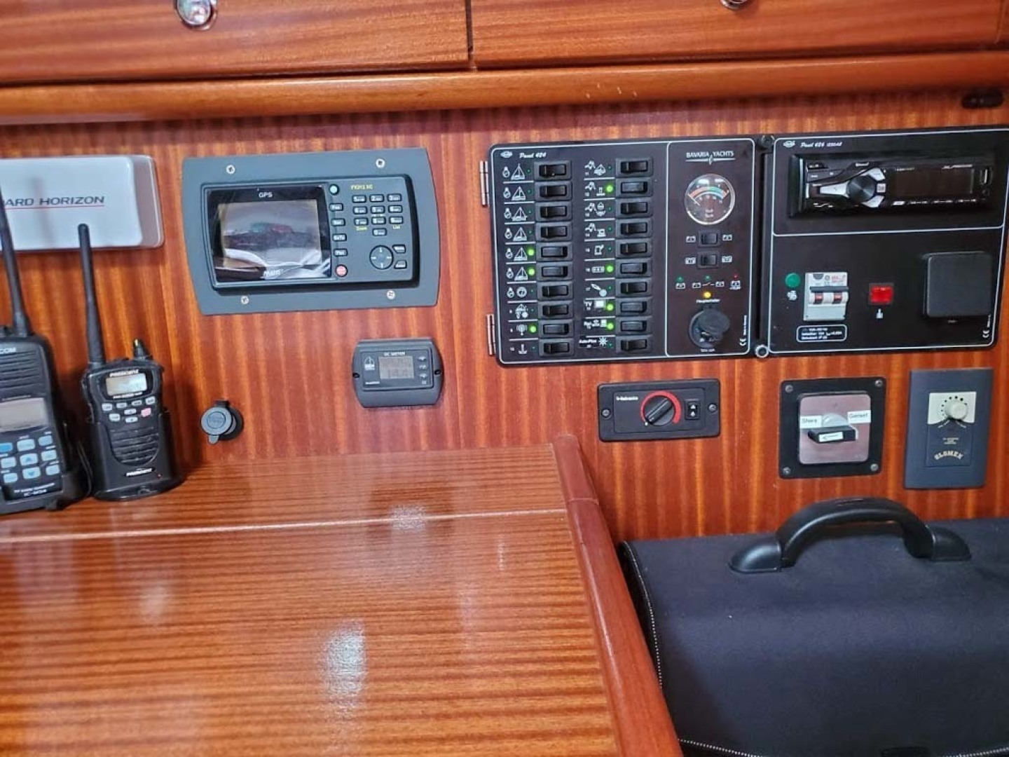 Bavaria-49 2003-BLUE CLOUD LADY Jacksonville-Florida-United States-Nav Station and Electrical Panel-1412439 | Thumbnail