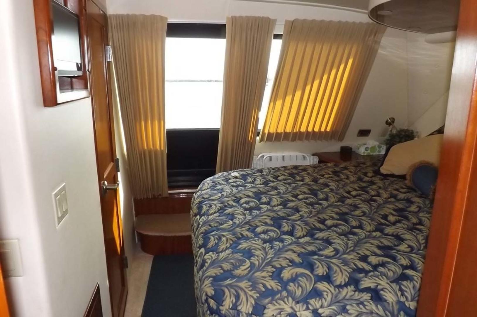 Bluewater Yachts-5200 2006 -Mount Pleasant-South Carolina-United States-Master Stateroom-1412943 | Thumbnail