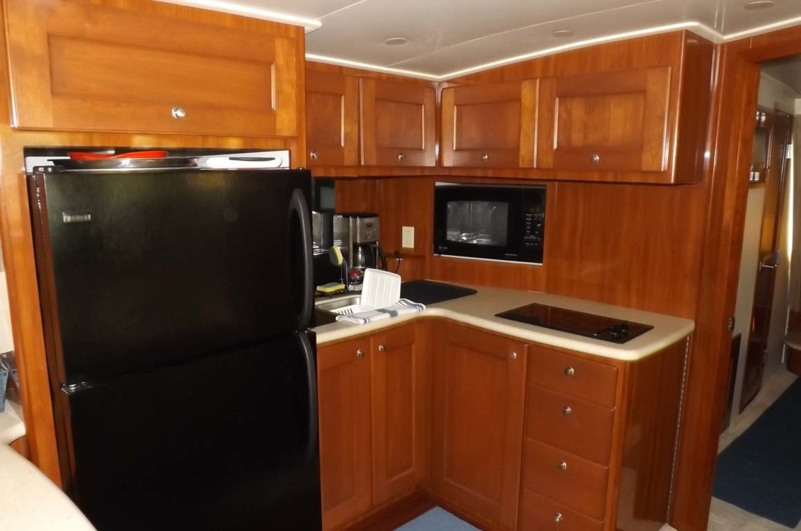 Bluewater Yachts-5200 2006 -Mount Pleasant-South Carolina-United States-Galley-1412940 | Thumbnail