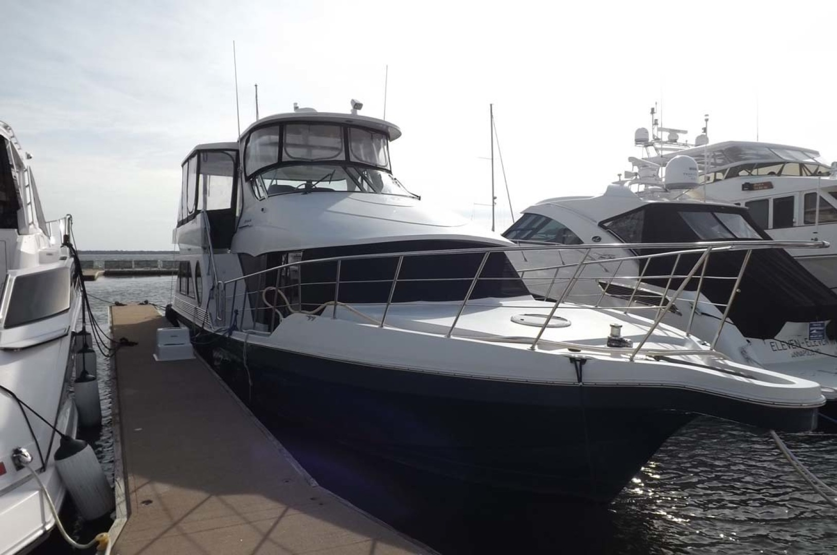Bluewater Yachts-5200 2006 -Mount Pleasant-South Carolina-United States-\Starboard Bow-1412955 | Thumbnail