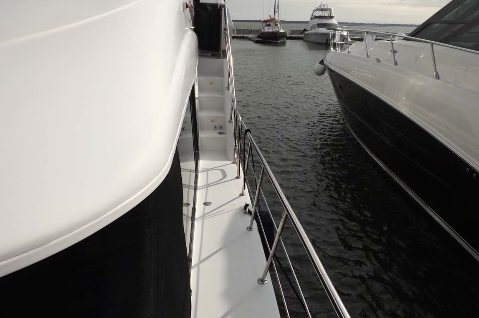 Bluewater Yachts-5200 2006 -Mount Pleasant-South Carolina-United States-Port Side Deck-1412962 | Thumbnail