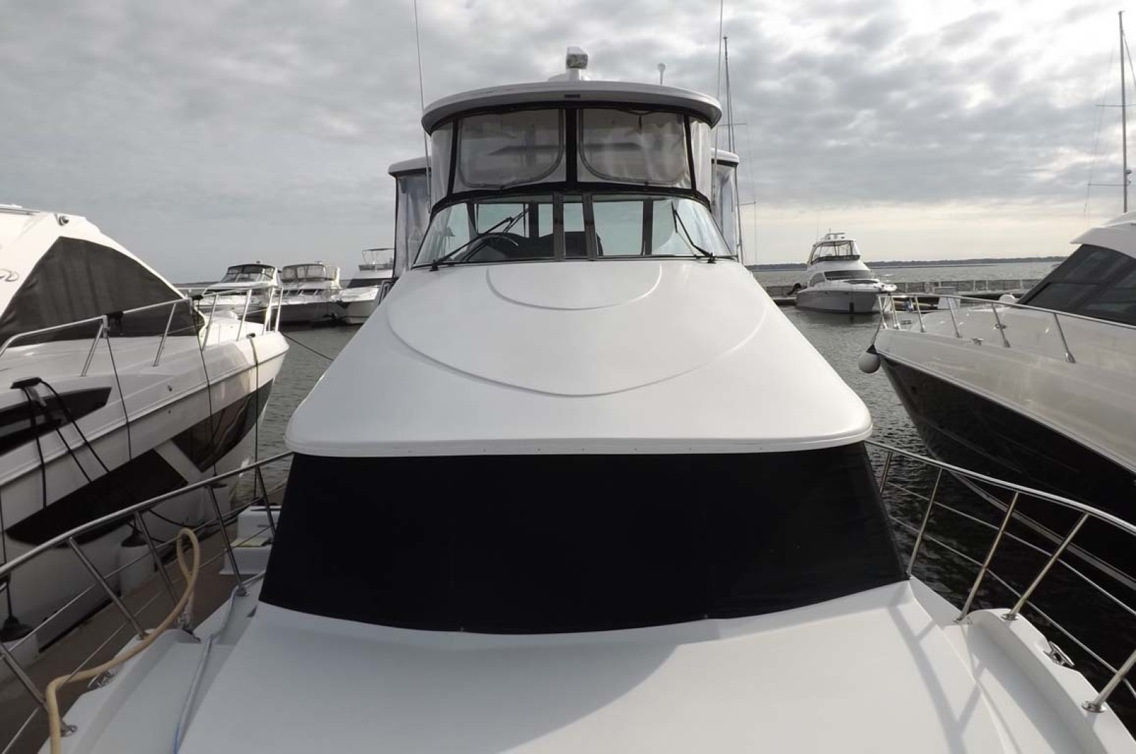 Bluewater Yachts-5200 2006 -Mount Pleasant-South Carolina-United States-Flybridge viewed from Foredeck-1412960 | Thumbnail